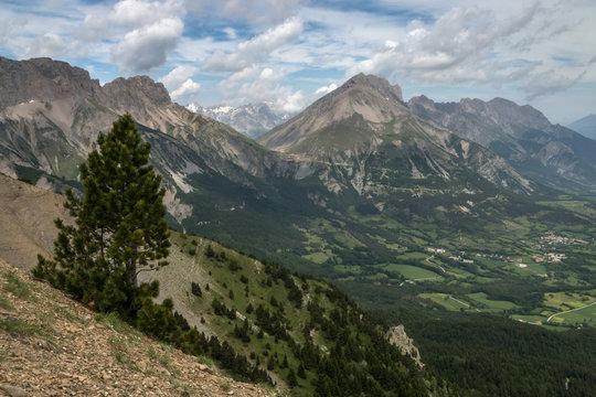 Paysage du Champsaur , Col du Noyer , Montagne de Faraut , Alpes, France