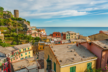 Fototapete - Colorful Residential house in resort village Vernazza, Cinque Terre, Italy