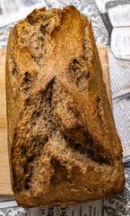 Tuinposter koffiebar Pan de masa madre de Centeno hecho en casa en molde de horno