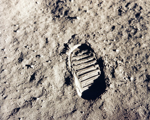 Foto auf AluDibond Nasa Astronaut's boot print on lunar (moon) landing mission. Elements of this image furnished by NASA.