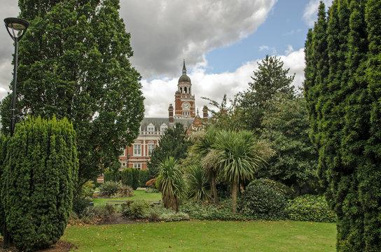 Queen's Gardens and Town Hall, Croydon