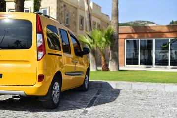 Taxi panel van in hotel