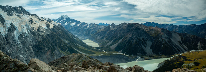 Mountains and lake on Mueller Hut trek at Mount Cook National Park Fotomurales