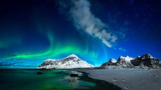 Skagsanden Aurora & beach Lofoten