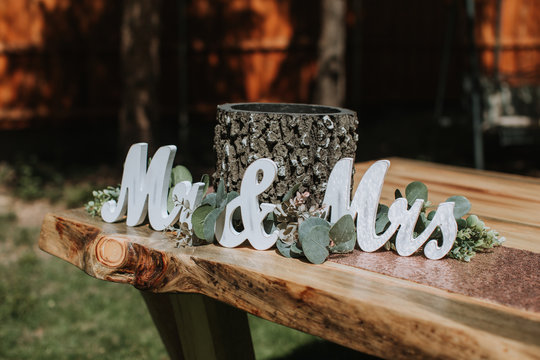 'Mr & Mrs' Sign Decor on Wedding Table
