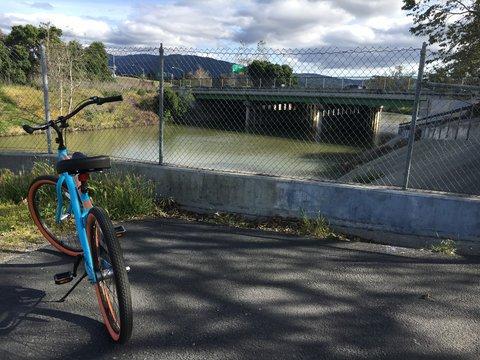 Los Gatos creek trail and bike