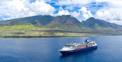 Wall Mural - Cruise ship near Hawaii mountains