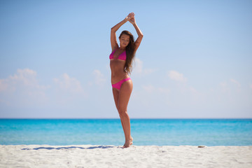 Spoed Foto op Canvas womenART Female enjoying summer vacation on the sea