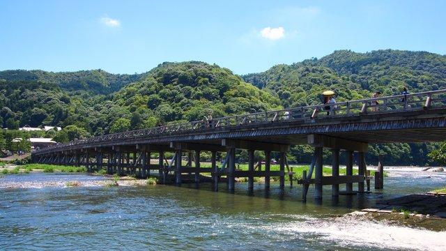 Togetsukyo Bridge, Arashiyama in Kyoto, Japan 快晴の嵐山渡月橋 京都