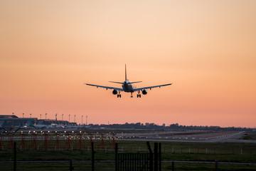 Tuinposter Avión aeropuerto del prat 7