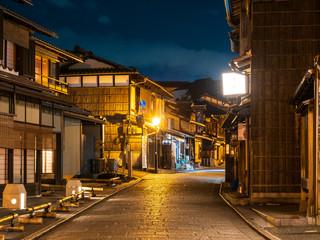 京都 夜の二年坂