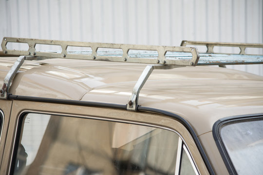 car top trunk ussr suv russia beige old rarity windshield headlight wheel