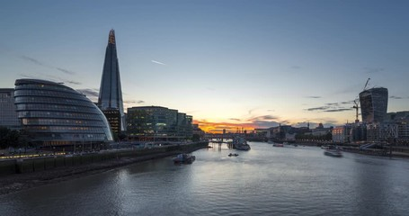Fotomurales - time lapse of sunset, London skyline from the Tower Bridge, UK