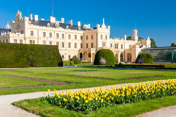 Fototapete - Lednice Palace with garden, Czech Republic