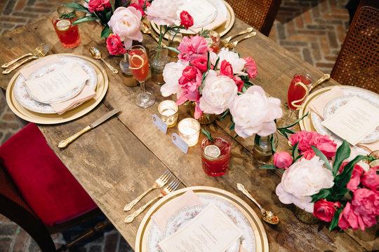 A wedding table set 5up for celebration