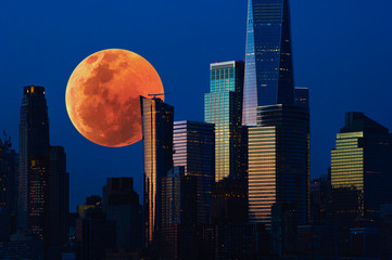 Big red full moon over the city Fototapete