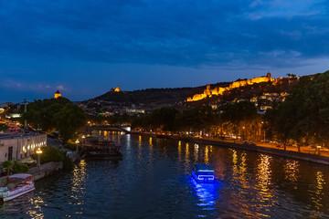 Fotomurales - Narikala fortress Tbilisi Kuri river cityscape Georgia Europe landmark
