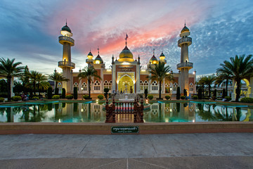 Pattani Central Mosque in the evening Wall mural