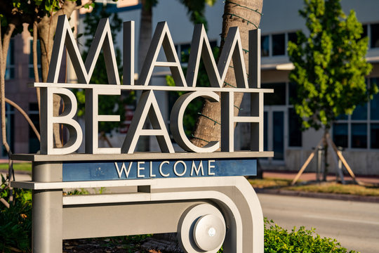 Welcome to Miami Beach sign on 5th Street