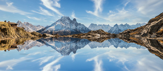 Photo sur Plexiglas Alpes Reflection of Mont Blanc on lake in high mountains in the French Alps, Chamonix.