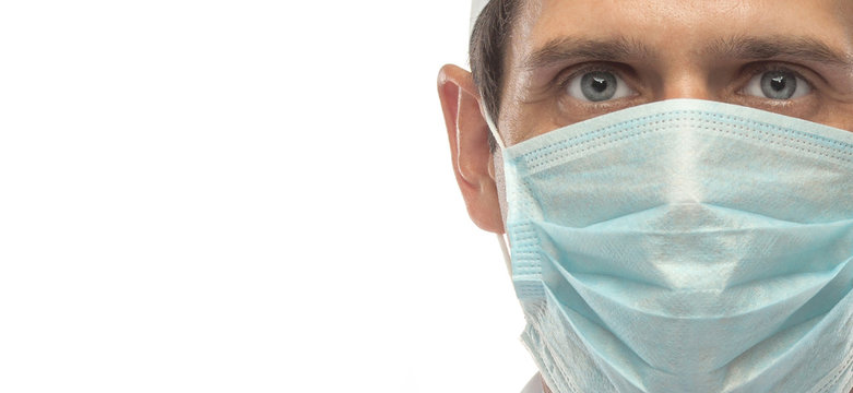 doctor wearing medical mask in glasses covid