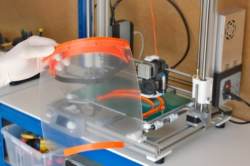 Plastic protection face shield made in 3D printer Fotoväggar