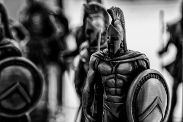 Black and white figures of ancient Spartan warriors Fototapete