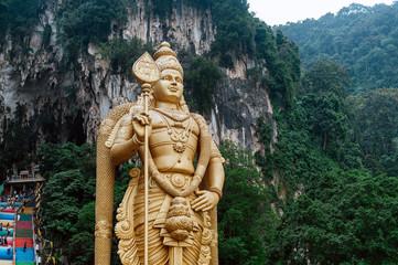 Fotorolgordijn Kuala Lumpur Batu Caves statue and entrance near Kuala Lumpur, Malaysia.