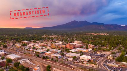 Fotomurales - Mount Humphreys at sunset overlooks the area around Flagstaff Arizona
