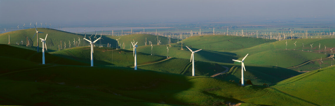 Wind energy, Altamont Pass on Route 580 in Livermore, CA