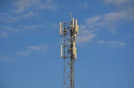 technologia sieci 5 G , śmierć sieci 5 G , wieża sieci 5 G ,  antena sieci 5 G , comunication 5 G ,  5 G , 4G , 5G , zdrowie ,koronawirus 5 G , coronawirus  5 G , koronawirus  sieci 5 G ,