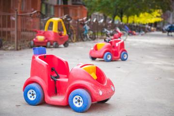 Children's toys abandoned on the street by the Coronavirus. Fototapete