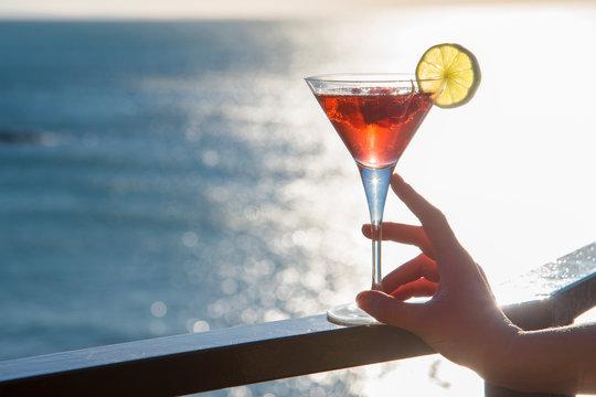 drink-aperitivo sfondo mare