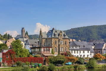 Fototapete - View of Traben-Trarbach, Germany