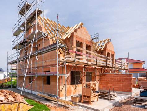 Neubau Rohbau von einem Doppelhaus