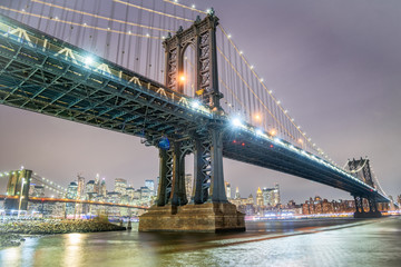 Zelfklevend Fotobehang Brooklyn Bridge Amazing night view of Manhattan and Brooklyn Bridge at night, winter season, New York City