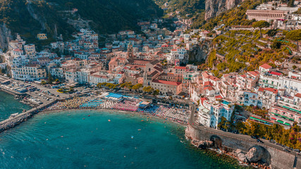 Aerial view of a touristic beach at Amalfi Coast during the summer, Province of Salerno, Italy. Fototapete