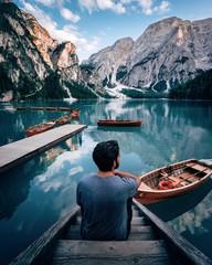 Fotorolgordijn Bergen lake and mountains