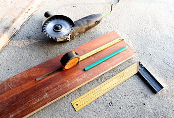 Fototapeta Praca stolarza narzędzia miarki ołówki obraz