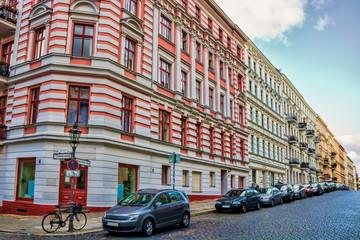 Fotomurales - berlin, deutschland - sanierte häuser am chamissoplatz in kreuzberg