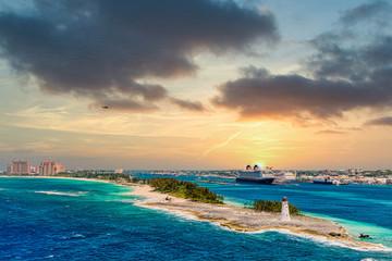 Deurstickers Water Lighthouse on Point of land near Nassau on Grand Bahamas