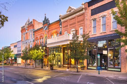 Fototapete Provo, Utah, USA downtown on Center Street