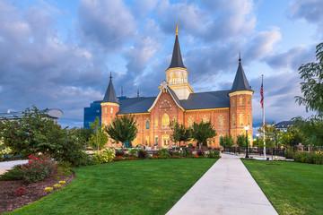 Fototapete - Provo, Utah, USA at Provo City Center Temple