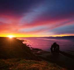 Wall Mural - Exotic view of the Atlantic ocean at dawn. Location place Hvitserkur, Iceland.