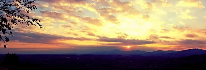 Foto auf Gartenposter Gelb Schwefelsäure Scenic View Of Silhouette Landscape Against Sky During Sunset