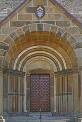 St. Ludgerus Basilika in Essen-Werden, gebaut 1250, Eingang, Foto vom 10.4.2020, redaktionell