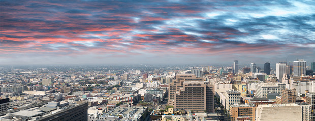 Fototapete - Panoramic city view of Los Angeles skyline from a viewpoint in Downtown
