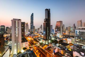 Bangkok city skyline at dusk, Thailand Fotobehang