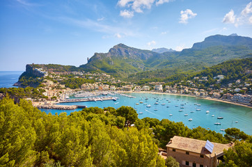 Wall Mural - Port de Soller on a sunny day, Mallorca, Spain.