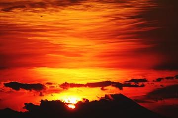 Fototapeten Rot kubanischen Scenic View Of Landscape Against Sky During Sunset